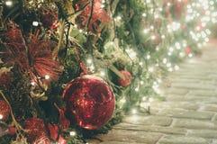 Decoración de la Navidad al aire libre y del Año Nuevo Imágenes de archivo libres de regalías