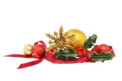 Decoración de la Navidad con acebo Fotos de archivo libres de regalías