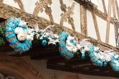 Decoración de la Navidad con el oso blanco en Estrasburgo Fotos de archivo libres de regalías