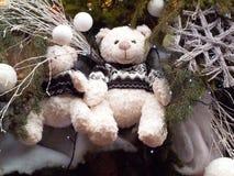 Decoración de la Navidad con el oso de peluche en Estrasburgo Foto de archivo libre de regalías