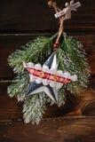 Decoración de la Navidad con la estrella del metal del vintage Imagen de archivo libre de regalías