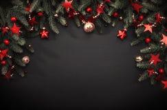 Decoración de la Navidad con las ramas del abeto Imagen de archivo libre de regalías