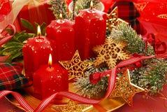 Decoración de la Navidad con las velas Imagen de archivo libre de regalías