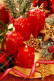 Decoración de la Navidad con las velas Imagen de archivo