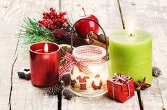 Decoración de la Navidad con las velas Fotos de archivo