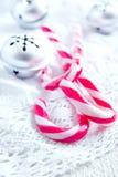 Decoración de la Navidad con los bastones de caramelo Imagen de archivo libre de regalías