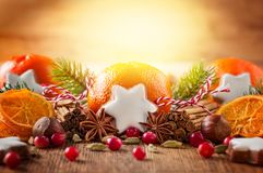 Decoración de la Navidad con los mandarines Imagenes de archivo