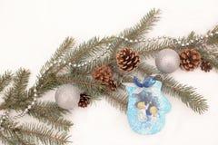 Decoración de la Navidad con la ramificación del abeto Foto de archivo libre de regalías