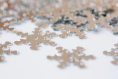 Decoración de la Navidad de la escama de plata de la nieve del confeti Fotografía de archivo libre de regalías