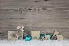 Decoración de la Navidad de la madera y del papel en blanco marrón beige y Imágenes de archivo libres de regalías