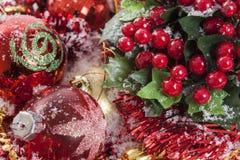 Decoración de la Navidad de las bayas del acebo Foto de archivo libre de regalías