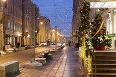 Decoración de la Navidad de las calles de Moscú Imagen de archivo