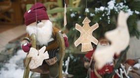 Decoración de la Navidad del centro comercial Fondo del Año Nuevo y de la Navidad almacen de video