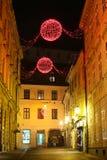 Decoración de la Navidad en ciudad Imagenes de archivo