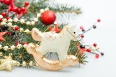 Decoración de la Navidad en el fondo del Año Nuevo del árbol de Navidad Foto de archivo libre de regalías