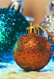 Decoración de la Navidad en fondo caliente fotografía de archivo libre de regalías