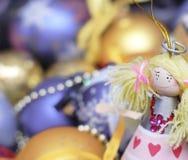 Decoración de la Navidad en fondo defocused Imagenes de archivo