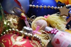 Decoración de la Navidad en fondo defocused Foto de archivo