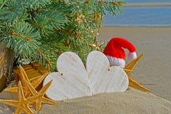 Decoración de la Navidad en fondo del mar Fotos de archivo