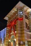 Decoración de la Navidad en la alameda de Mercato en Dubai foto de archivo