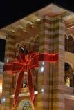 Decoración de la Navidad en la alameda de Mercato en Dubai imagen de archivo libre de regalías