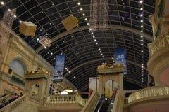 Decoración de la Navidad en la alameda de Mercato en Dubai fotografía de archivo libre de regalías