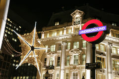 Decoración de la Navidad en Londres foto de archivo libre de regalías