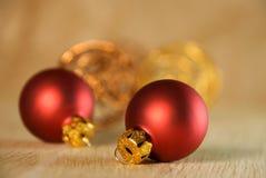 Decoración de la Navidad en rojo como fondo fotografía de archivo libre de regalías
