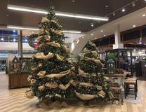Decoración de la Navidad en tienda de los muebles y del furnishion Fotografía de archivo