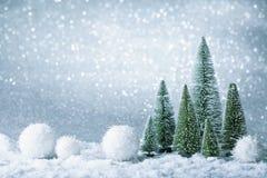 Decoración de la Navidad en un fondo de la chispa Imagen de archivo libre de regalías