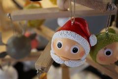 Decoración de la Navidad en un mercado en Bulle fotos de archivo