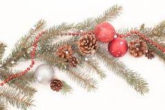 Decoración de la Navidad en una nieve Fotografía de archivo libre de regalías