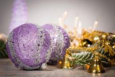 Decoración de la Navidad Fondo de Cristmas con las bolas y el christm Foto de archivo