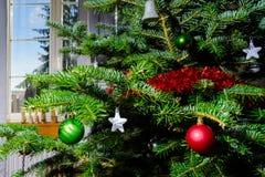 Decoración de la Navidad interior y del Año Nuevo Fotografía de archivo libre de regalías