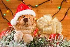 Decoración de la Navidad, oso de peluche de los juguetes Concepto de Navidad Foto de archivo libre de regalías