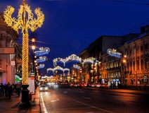 Decoración de la Navidad de la perspectiva de Nevsky en St Petersburg Fotografía de archivo