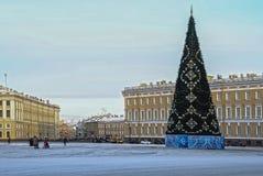 Decoración de la Navidad de la perspectiva de Nevsky en St Petersburg Imagenes de archivo