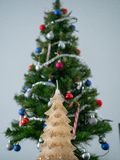 Decoración de la Navidad sin encanto imagen de archivo