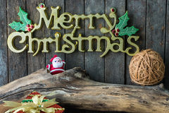 Decoración de la Navidad y del Año Nuevo en fondo de madera Fotos de archivo