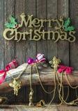 Decoración de la Navidad y del Año Nuevo en fondo de madera Imagen de archivo libre de regalías