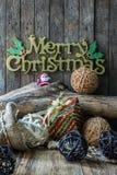 Decoración de la Navidad y del Año Nuevo en fondo de madera Imágenes de archivo libres de regalías
