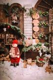 Decoración de la Navidad y del Año Nuevo sobre vintage de madera del fondo Imagen de archivo libre de regalías
