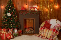 Decoración de la Navidad y un abeto Fotos de archivo