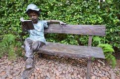 Decoración de la silla para sentarse en el jardín Fotografía de archivo libre de regalías