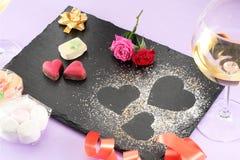 Decoración de la tarjeta del día de San Valentín fotografía de archivo libre de regalías