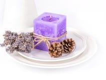 Decoración de la vela de la lavanda Fotos de archivo libres de regalías