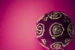 decoración de las bolas del árbol de navidad imágenes de archivo libres de regalías