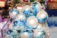 Decoración de las bolas del Año Nuevo de la Navidad Imágenes de archivo libres de regalías