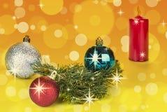 Decoración de las bolas de la Navidad en fondo abstracto del bokeh fotografía de archivo