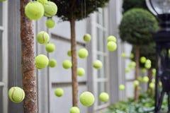 Decoración de las pelotas de tenis Fotos de archivo libres de regalías